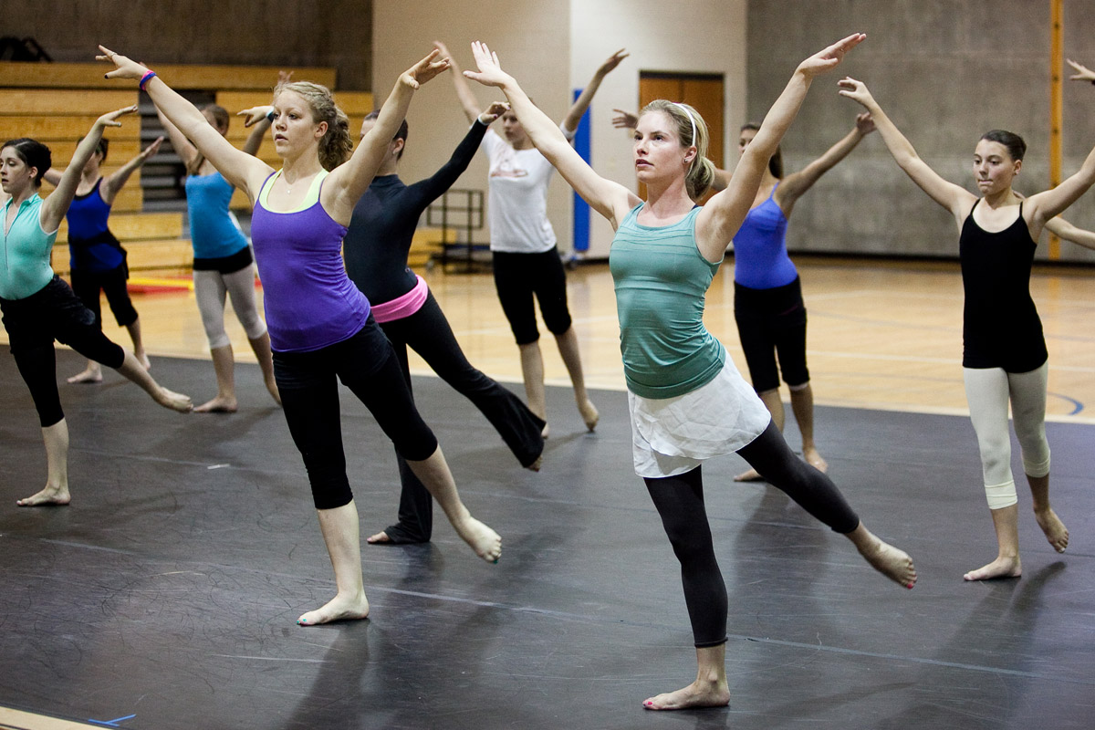 Master Class: Modern with Martha Graham Dance Company